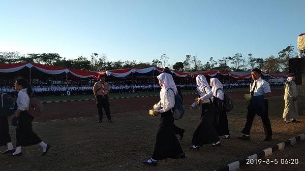 upacara penerimaan mahasiswa baru